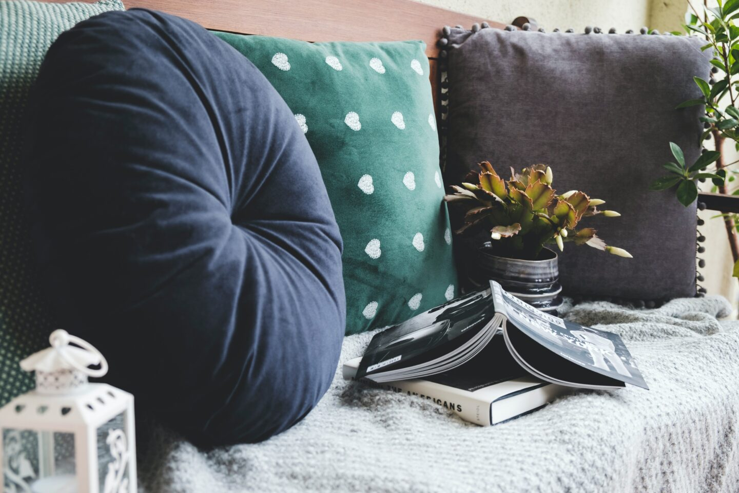 7 Top Tips to Upgrade Your Living Room This Autumn