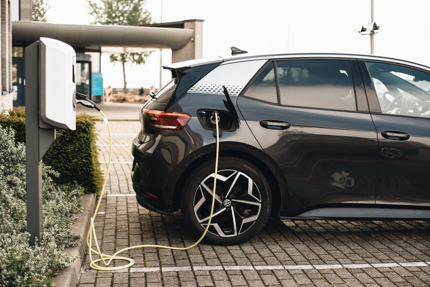 3 Top Tips When Buying An Electric Car for Your Family