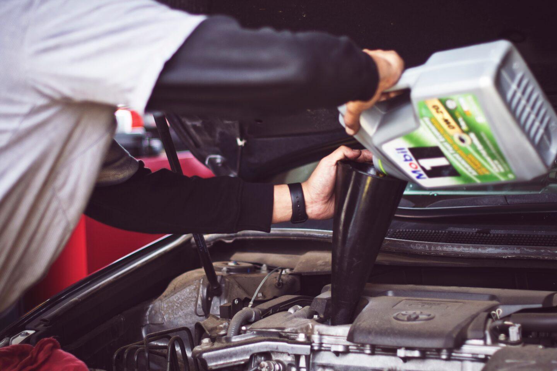 Car Maintenance That Anyone Can Do