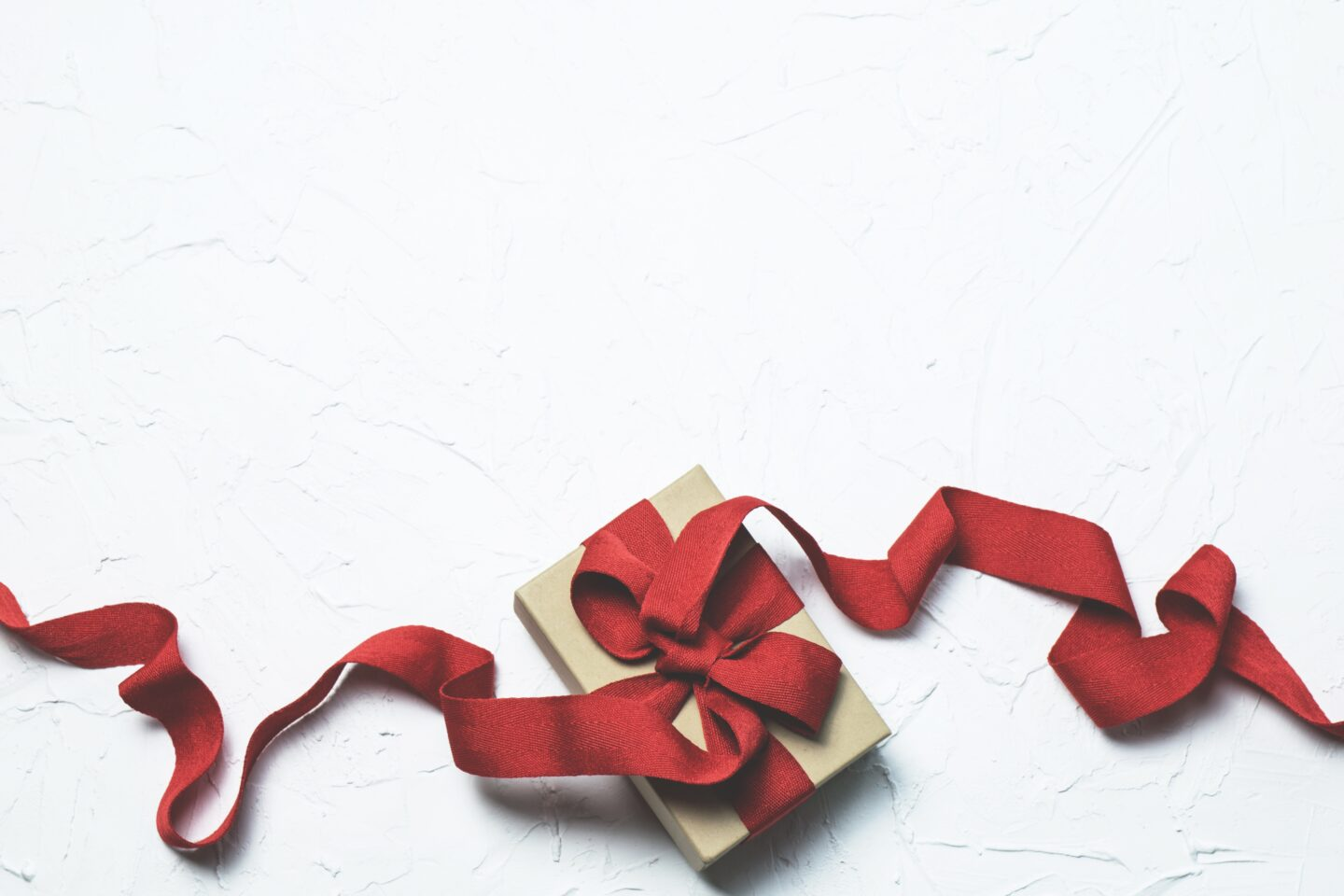 Gift Ideas for Your Spouse: Christmas Edition